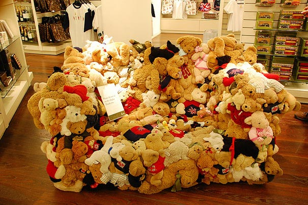 creative-sofa-teddy-bear